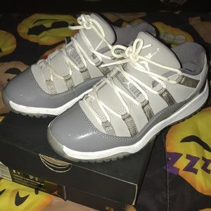 Youth Retro Jordan 11 low
